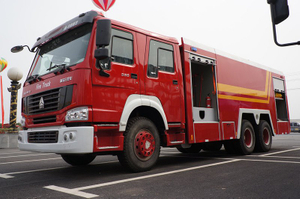 SINOTRUK HOWO 6x4 10 tons 10000 liters 10CBM Water Tanker Fire Rescue Fighting Truck